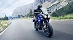 2017-Yamaha-Tracer-900-EU-Yamaha-Blue-Action-005 copia.jpg