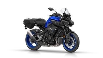 2017-Yamaha-MT10-Tourer-Edition-EU-Yamaha-Blue-Studio-001.jpg