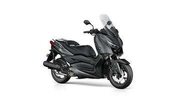 2018-Yamaha-XMAX-125-ABS-EU-Sonic-Grey-Studio-001.jpg