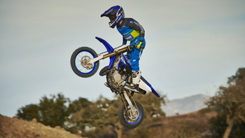 2018-Yamaha-YZ65-EU-Racing-Blue-Action-002.jpg