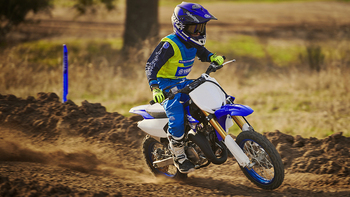 2018-Yamaha-YZ65-EU-Racing-Blue-Action-007.jpg