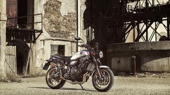 2019-Yamaha-XS700SCR-EU-Tech_Black-Static-001-03.jpg