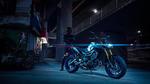 2018-Yamaha-MT09DX-EU-Silver_Blu_Carbon-Static-006-03.jpg