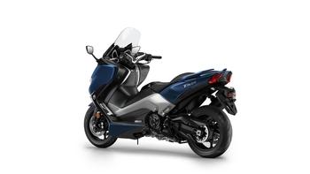 2017-Yamaha-TMAX-DX-EU-Phantom-Blue-Studio-005.jpg