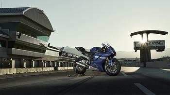 2017-Yamaha-YZF-R6-EU-Race-Blu-Static-001 copia.jpg