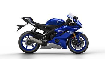 2017-Yamaha-YZF-R6-EU-Race-Blu-Studio-002 copia.jpg