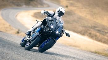 2018-Yamaha-MXT850-EU-Graphite-Action-006.jpg