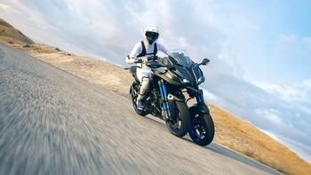2018-Yamaha-MXT850-EU-Graphite-Action-003.jpg