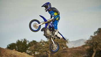 2018-Yamaha-YZ65-EU-Racing-Blue-Action-002.jpg