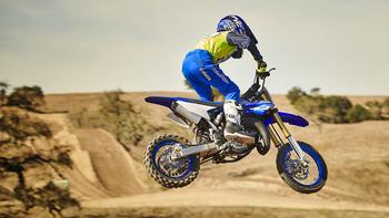 2018-Yamaha-YZ65-EU-Racing-Blue-Action-003.jpg