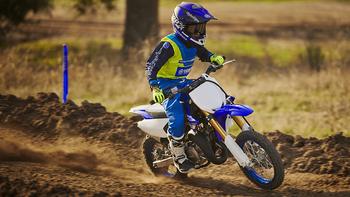 2018-Yamaha-YZ65-EU-Racing-Blue-Action-007.jpg