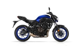 2018-Yamaha-MT-07-EU-Yamaha-Blue-Studio-002.jpg