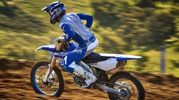 2019-Yamaha-YZ250F-EU-Racing-Blue-Action-008.jpg