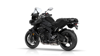 2018-Yamaha-MT10-Tourer-Edition-EU-Tech-Black-Studio-005.jpg