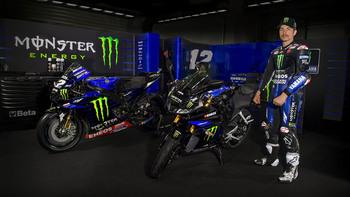 2019-Yamaha-YZF-R125SV-EU-Midnight_Black-Static-001-03.jpg