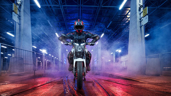 2019-Yamaha-MT320-EU-Ice_Fluo-Static-004-03.jpg