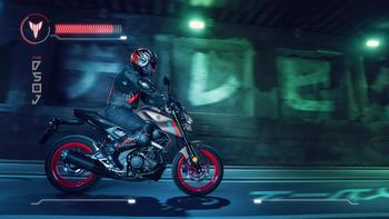 2021-Yamaha-MT125-EU-Steel_Fluo-Action-007-03.jpg